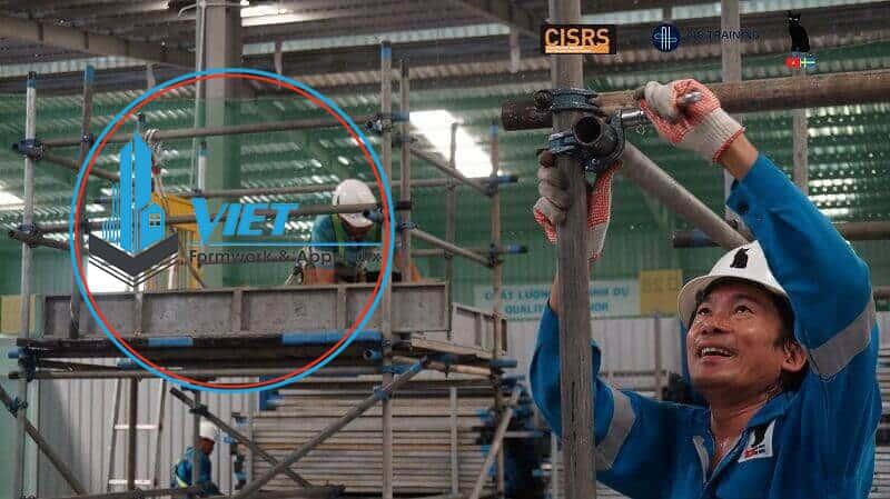Lắp dựng giàn giáo cùm tiếp theo tiêu chuẩn Bs1139