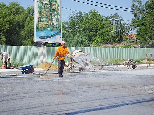 quy trình trộn bê tông bằng máy